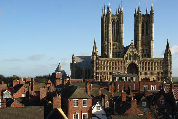 Lincoln Escorts worshipping in Lincoln Cathedral